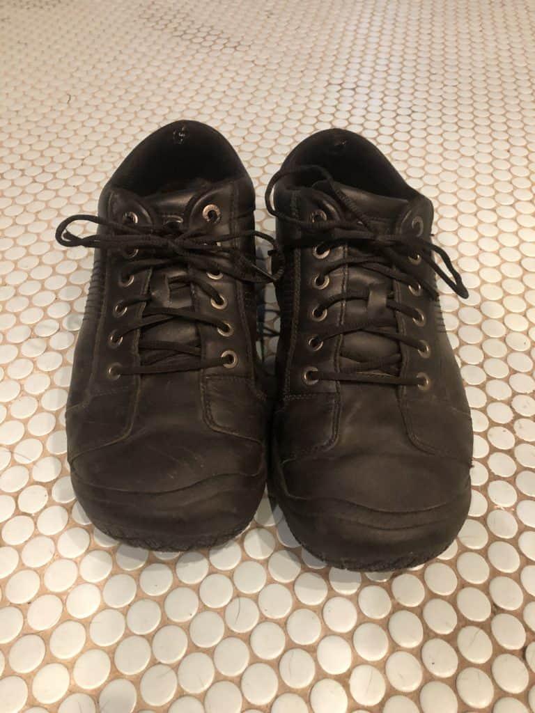 KEEN men's best vet tech shoes! Best shoes for a DVM, vet nurse, or vet assistant.